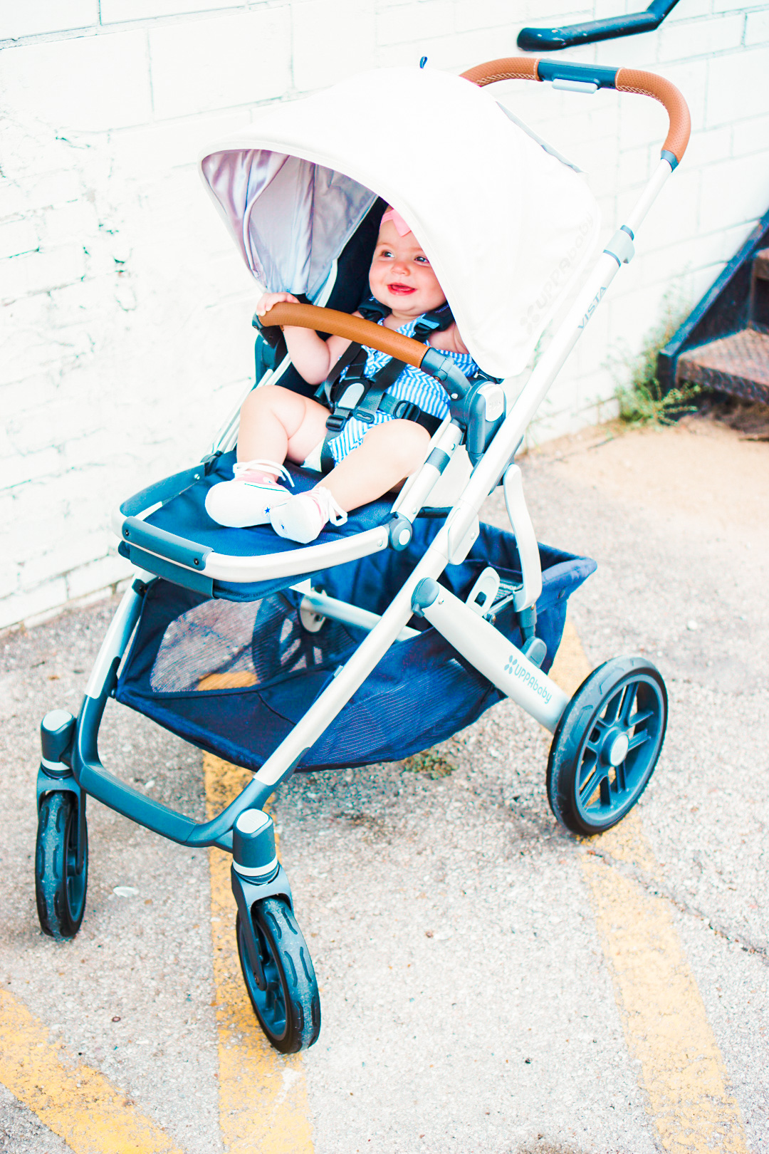 Katelyn Jones A Touch of Pink Blog 2017 Uppababy Vista in Loic Stroller Review buybuybaby