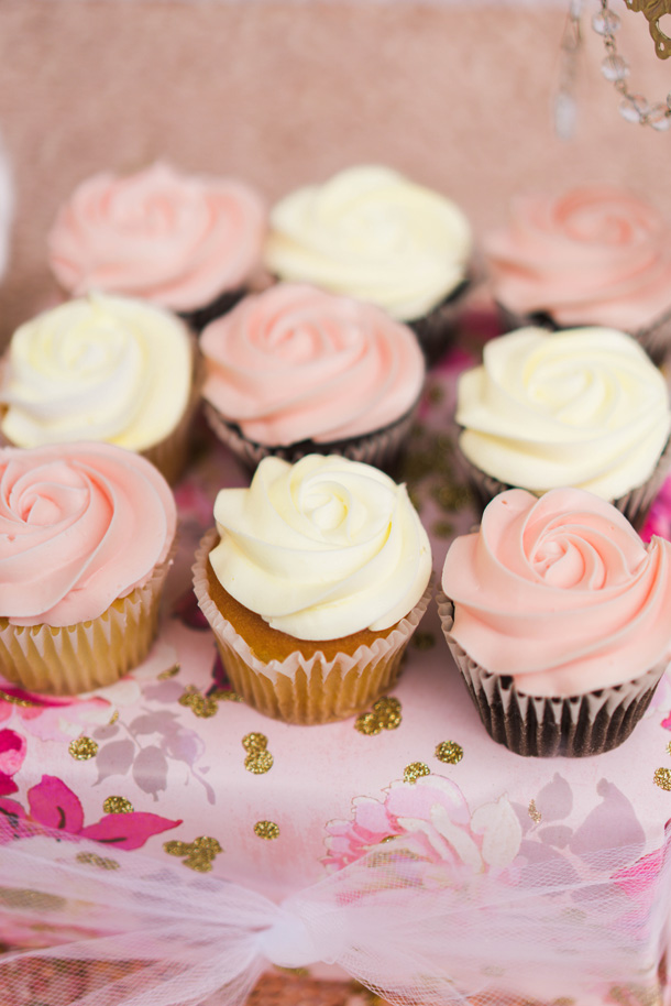 Katelyn Jones A Touch Of Pink Baby Girl Birthday Desserts Cupcakes