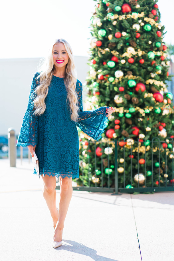 Katelyn Jones A Touch of Pink Blog Evereve Holiday Dress Lace Dress