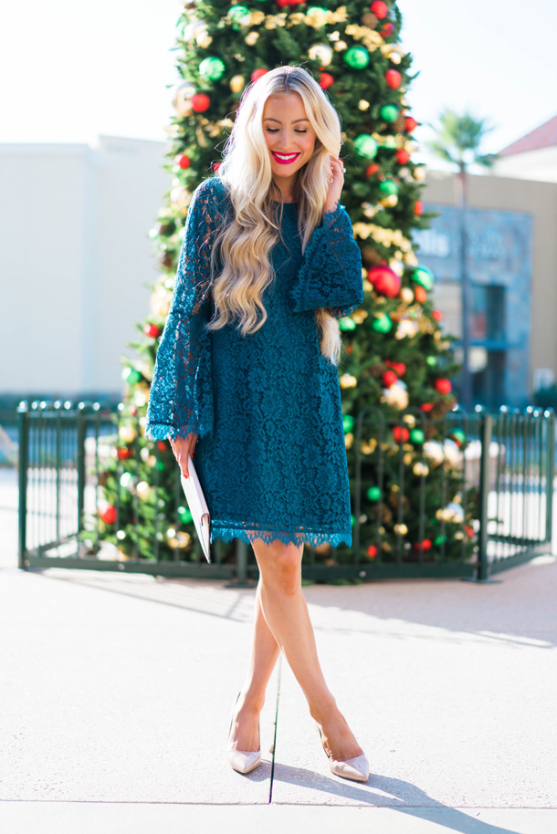 Katelyn Jones A Touch of Pink Blog Evereve Holiday Dress Lace Dress10