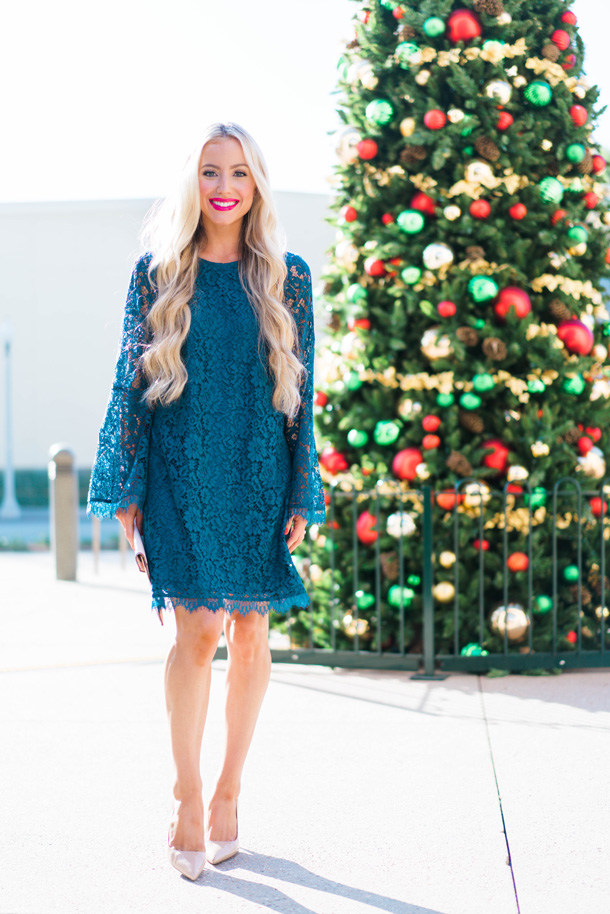 Katelyn Jones A Touch of Pink Blog Evereve Holiday Dress Lace Dress2