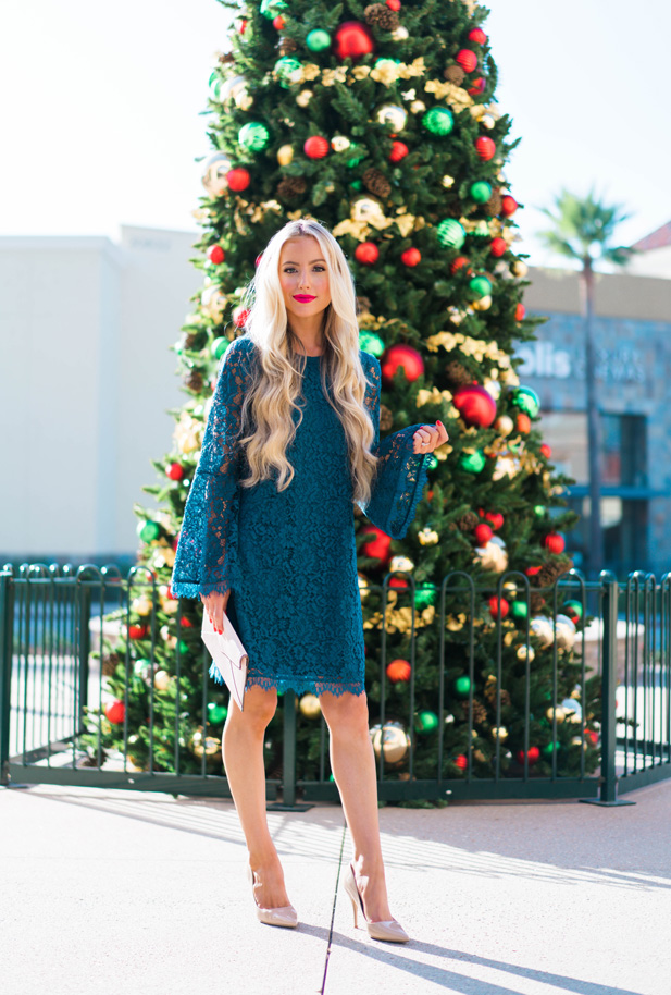 Katelyn Jones A Touch of Pink Blog Evereve Holiday Dress Lace Dress5