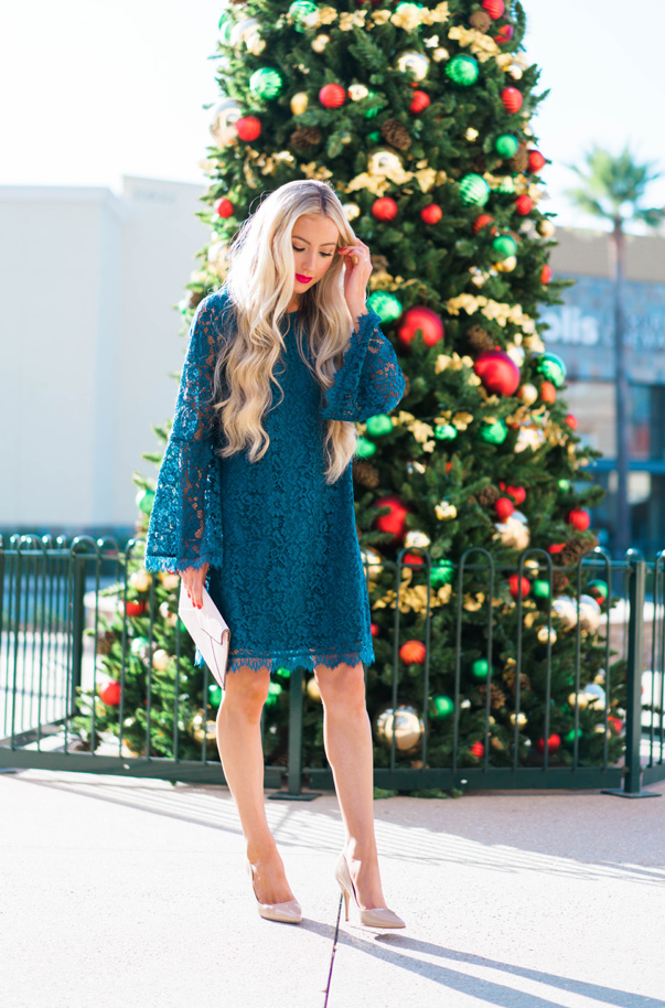 Katelyn Jones A Touch of Pink Blog Evereve Holiday Dress Lace Dress6