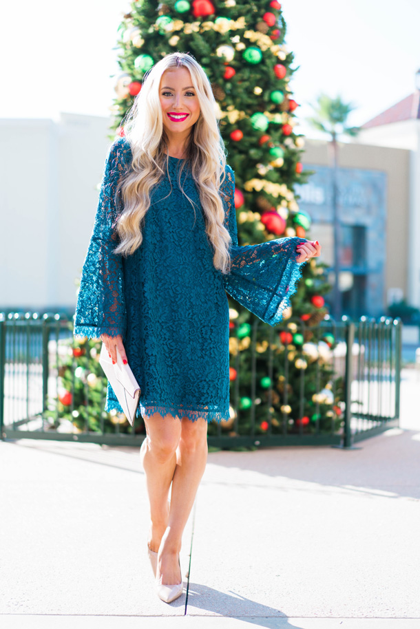 Katelyn Jones A Touch of Pink Blog Evereve Holiday Dress Lace Dress9